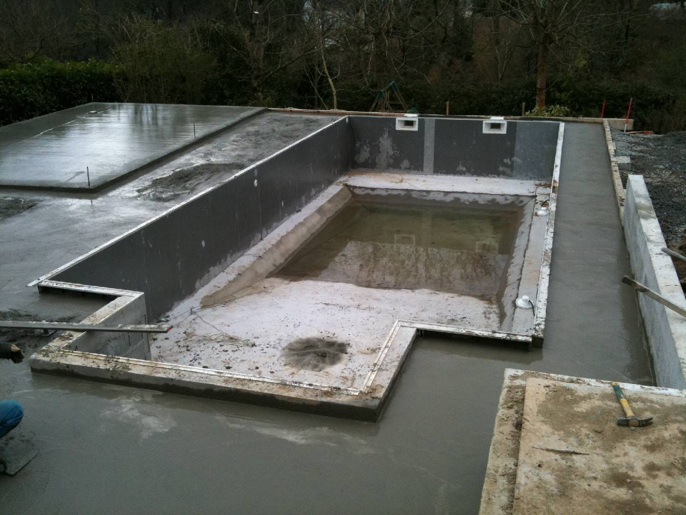 Am nagement des abords d 39 une piscine quimper goalabre - Amenagement d une piscine ...