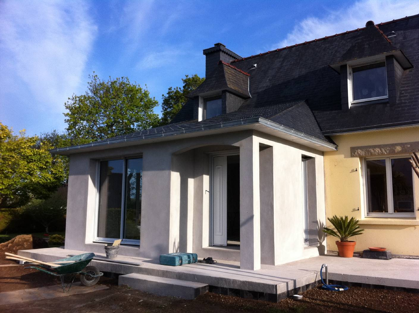 Extension d 39 une maison n o bretonne goalabre construction for Entreprise extension maison yvelines